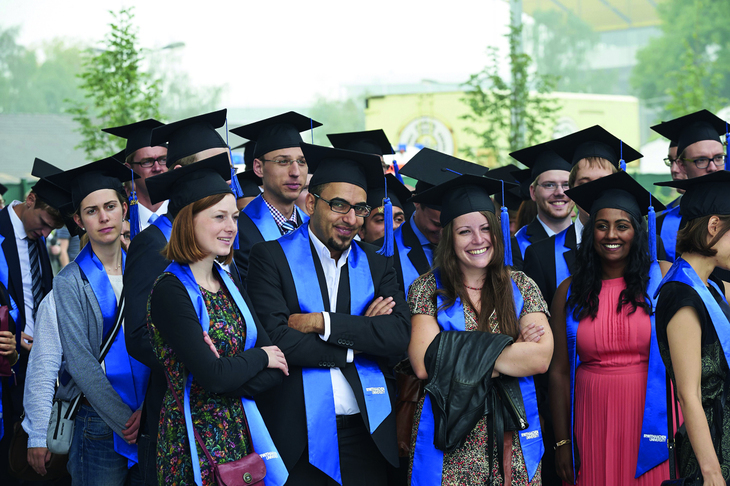 A group of RWTH alumni at the graduation celebration